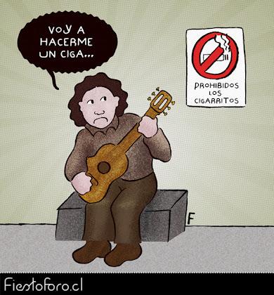 Victor Jara se dispone a entonar la canción: «Voy a hacerme un cigarrito acaso tengo...» cuando nota el cartel que lee: «Prohibidos los cigarritos.»