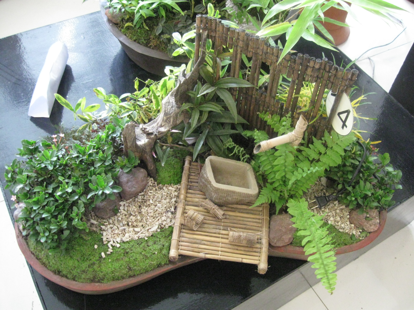 Dish garden designs at the 2nd flora mindanao at sm davao for Landscape arrangement