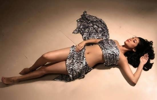 Sada Hot Photos , Sada Hot Navel Photos
