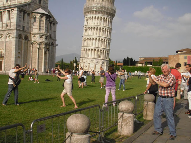 photography at Leaning Tower of Pisa
