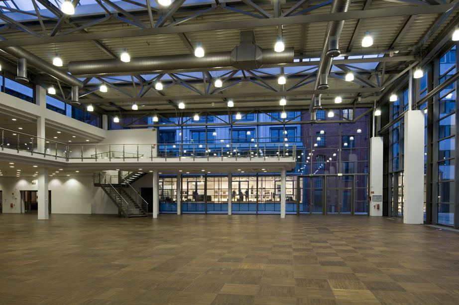 eventlocation in frankfurt mieten hochzeitslocation partylocation tagungshotel. Black Bedroom Furniture Sets. Home Design Ideas