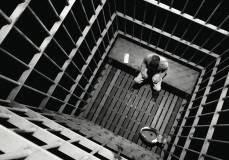 Έρχονται οι πρώτες φορολογικές φυλακές