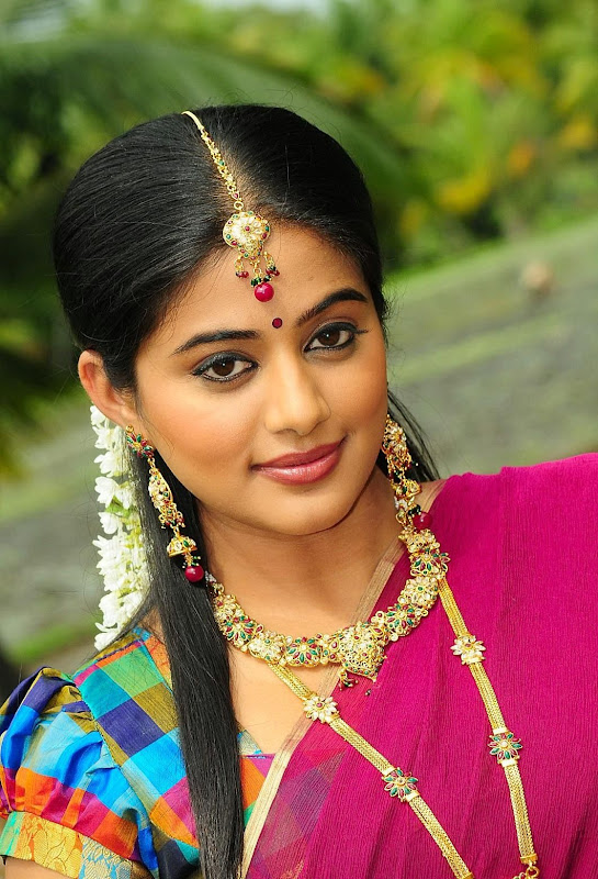 Priyamani Latest Hot Blouse Stills navel show