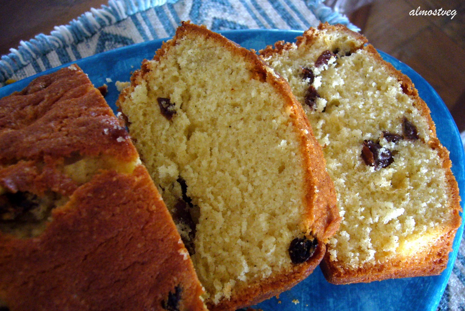 almostveg: Orange tea cake with boozy raisins