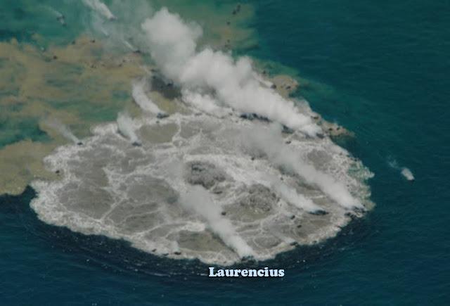 Foto-Letusan-Gunung-Api-Bawah-Laut_4
