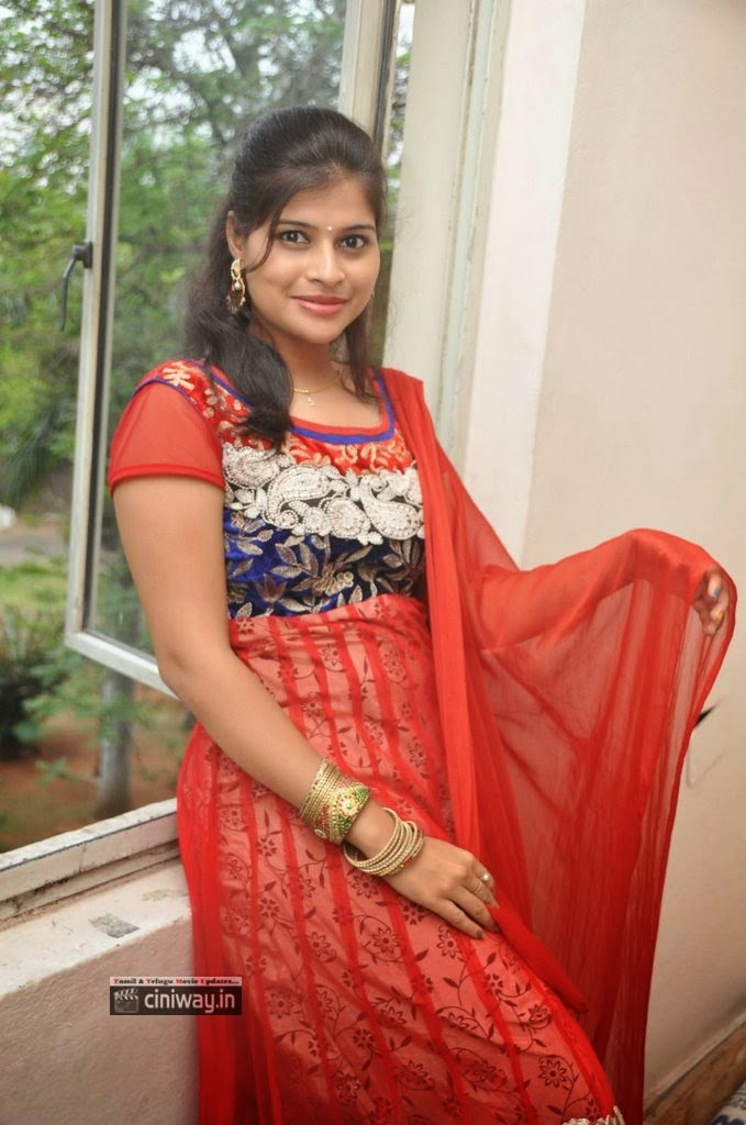 Sangeetha-Reddy-Latest-Stills-at-Nenu-Naa-Friends-Success-Meet