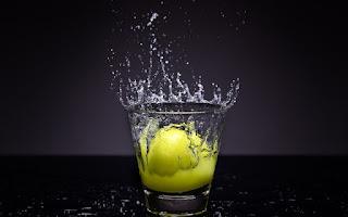Para una depuración utilice agua y jugo de limón exprimido