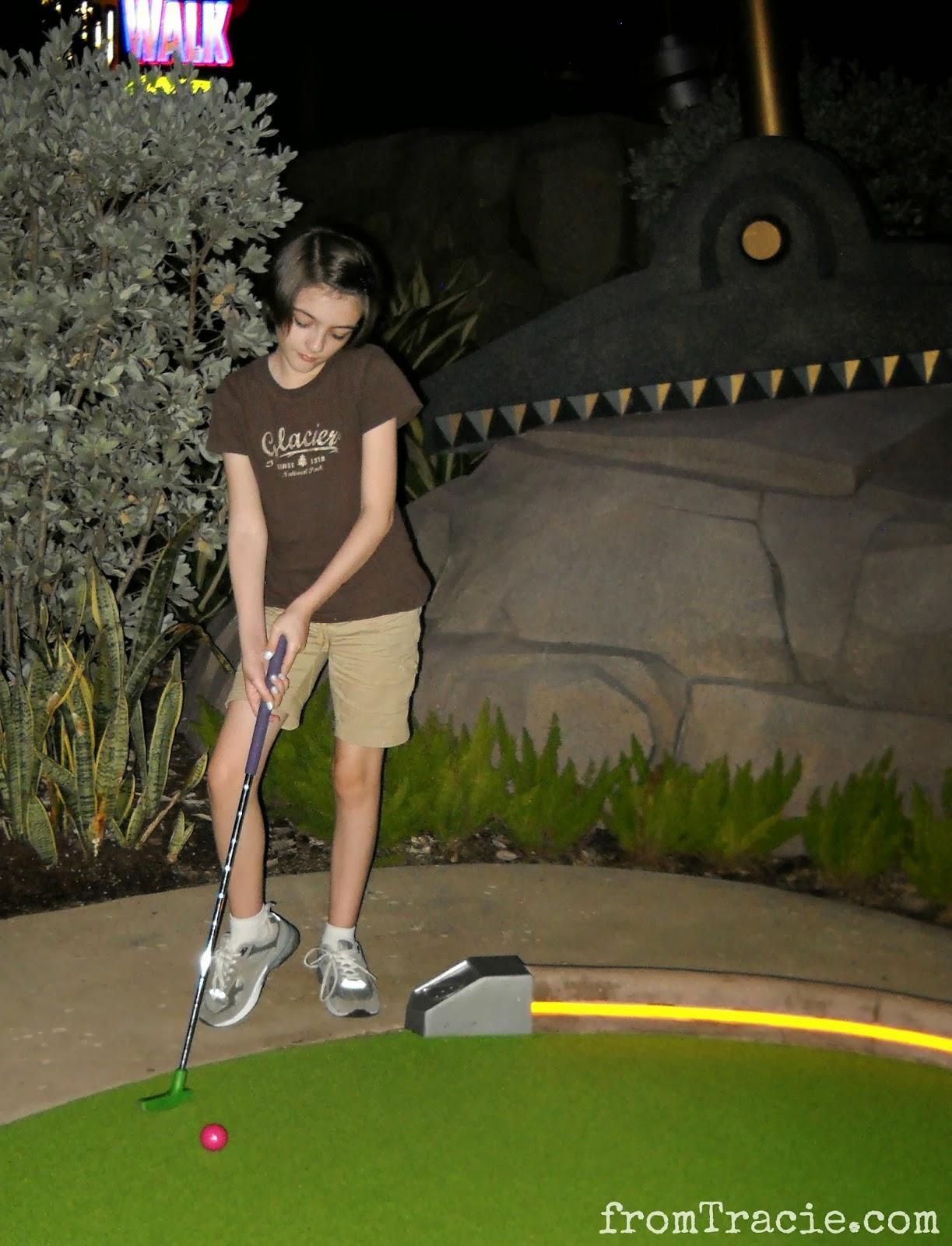 Katarina Mini-Golfing
