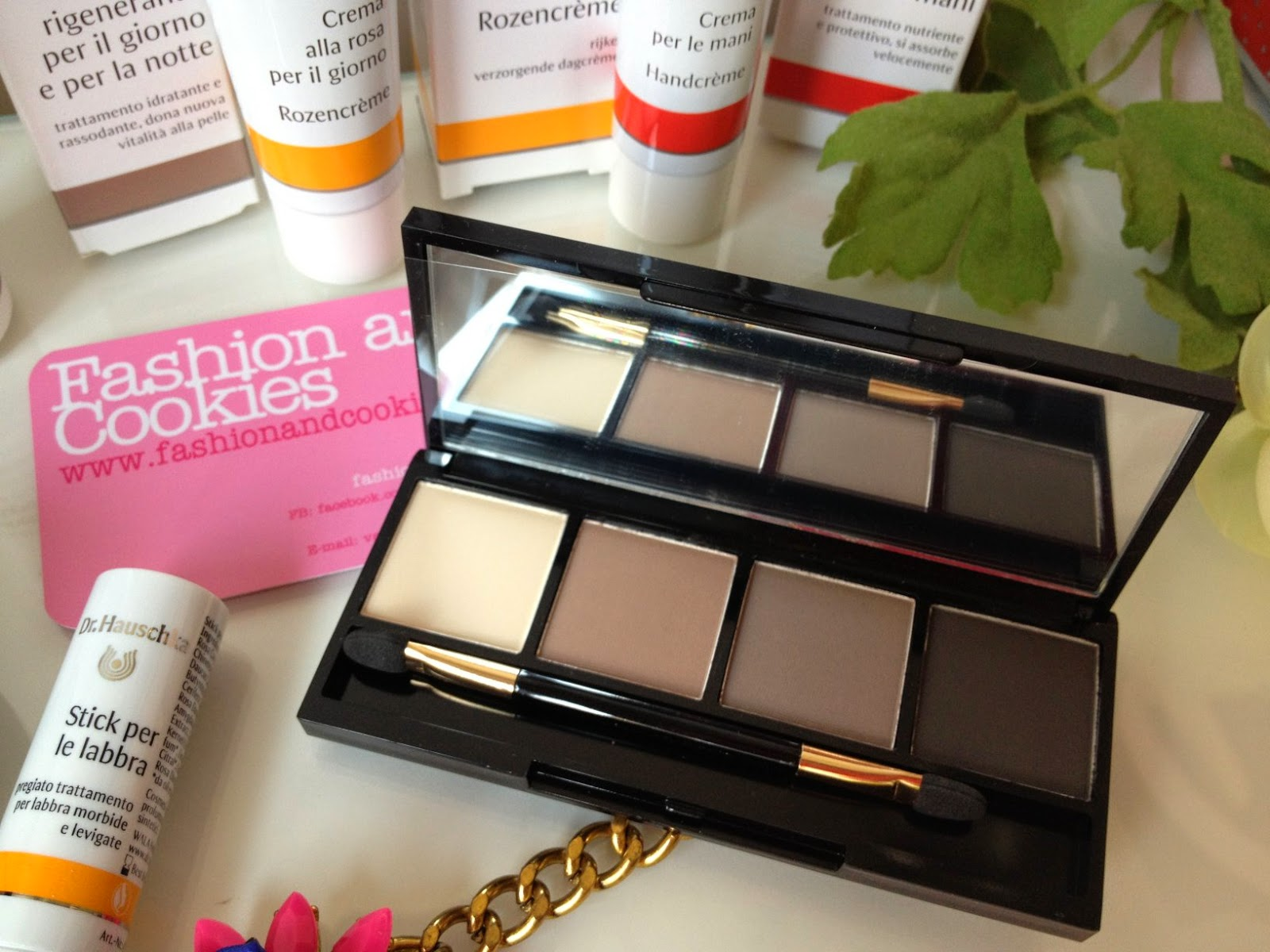 Dr Hauschka, Dr Hauschka eyeshadow palette 01 review, Fashion and Cookies, fashion blogger
