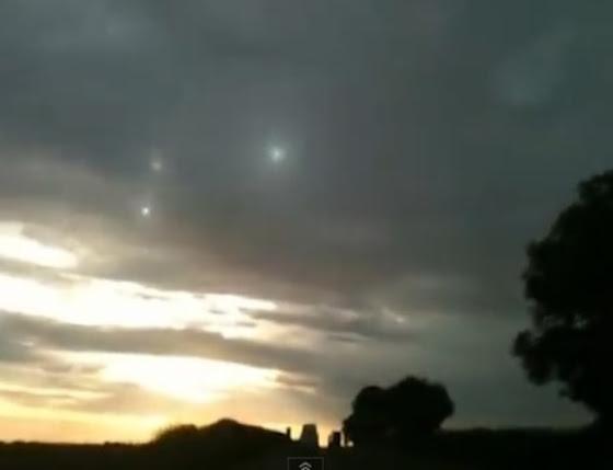 Εκπληκτικό ufo πάνω από το yorkshire ηνωμένο