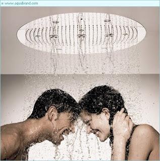 mandi bersama