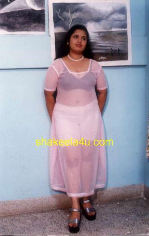 Hot Desi Aunty Actress Girls Images Sex Pics: Village Girls Bathing Vs ...