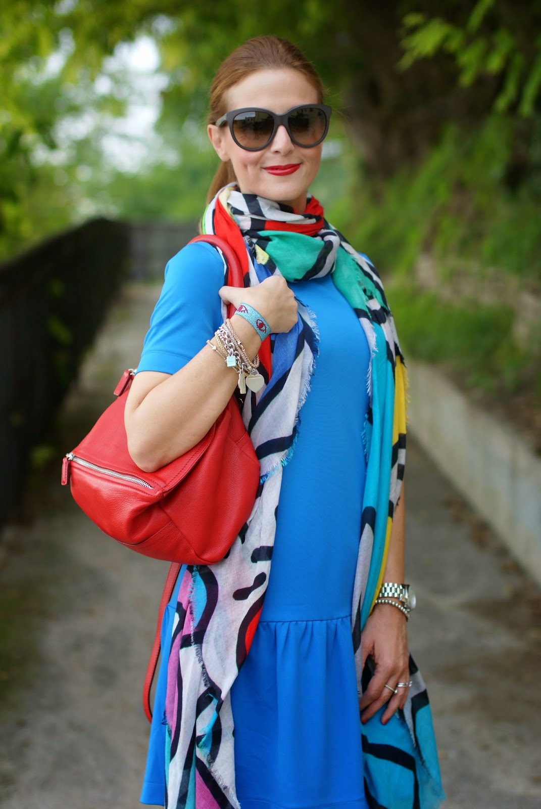 Givenchy Pandora red bag, Tessitura Lancioni scarf, Fashion and Cookies, fashion blogger