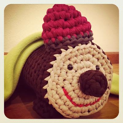 http://ladycrochet.blogspot.com.es/2012/12/tio-de-nadal-de-trapillo.html
