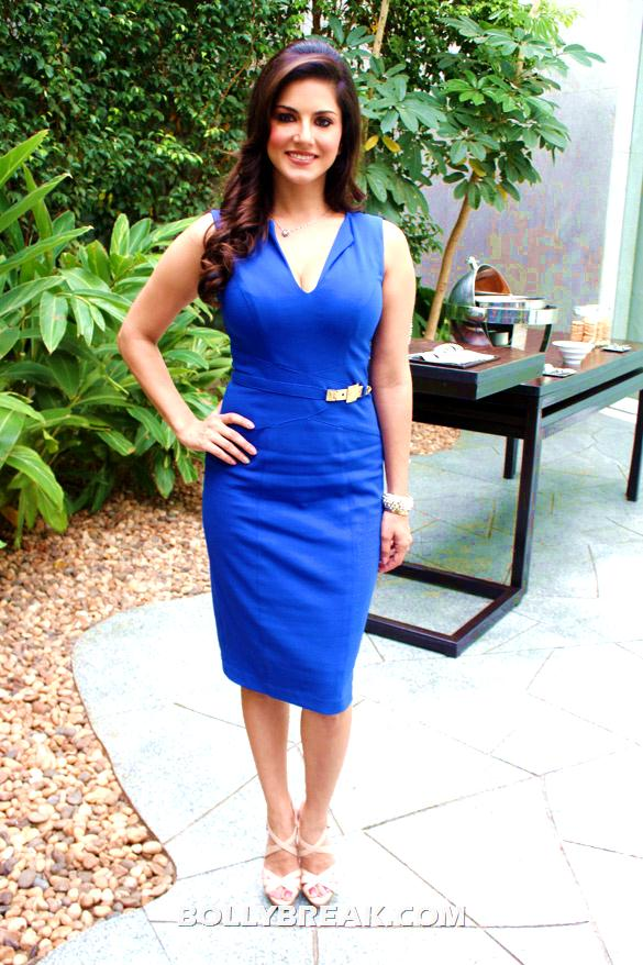 Sunny LeoneIn blue dress showing her hot body - Sunny Leone promoting 'Jism - 2' in blue Dress