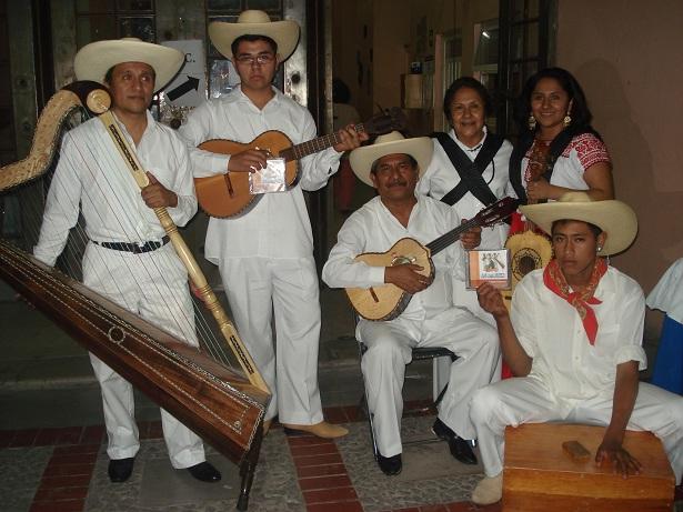 tixtla de guerrero black singles Guerrero was born in tixtla, a town 100 kilometers inland from the port of acapulco, in the sierra madre del sur his parents were maría de guadalupe saldaña, of african descent and pedro guerrero, a mestizo.