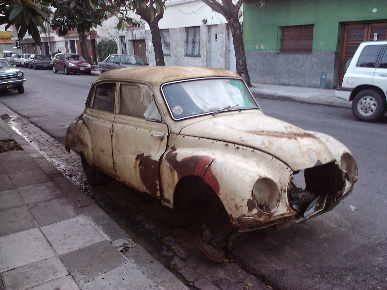 http://www.desafine.net/2015/02/amet-recogera-vehiculos-viejos-dejados-en-las-calles.html