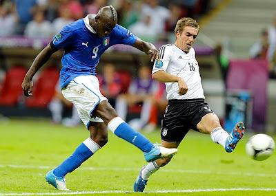 Italia - Germania, 2-1: ein, zwei, t'incoolai Balotelli-secondo-gol