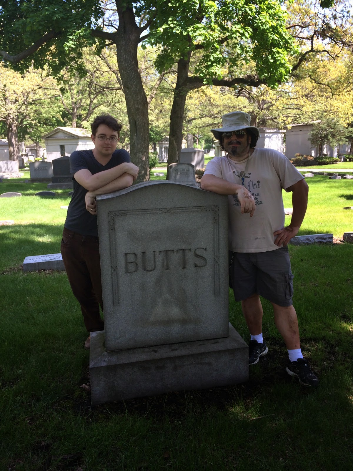city cemetery – Mysterious Chicago Tours
