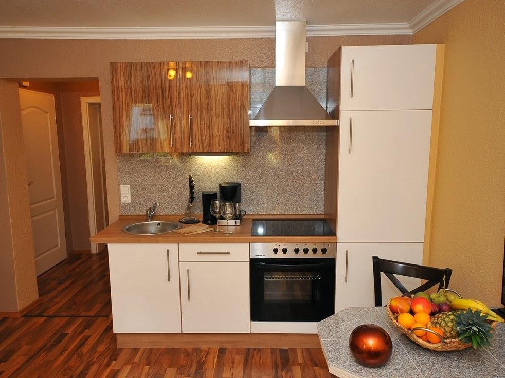 Cocinas peque as personal shopper decoraci n selecto for Cocinas de madera pequenas