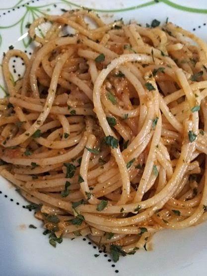 Spaghetti al pesto di pomodori