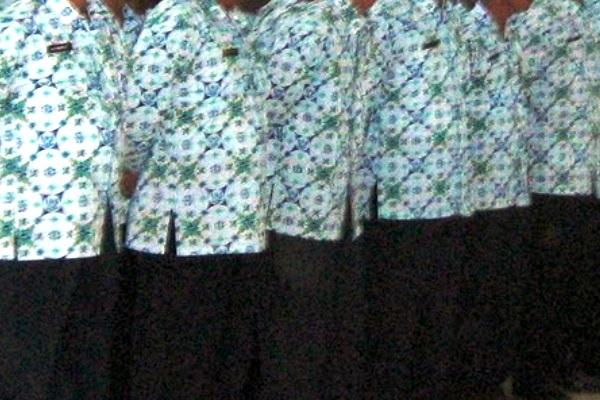PNS (Pegawai Negeri Sipil). Kotabumi Lampung Utara