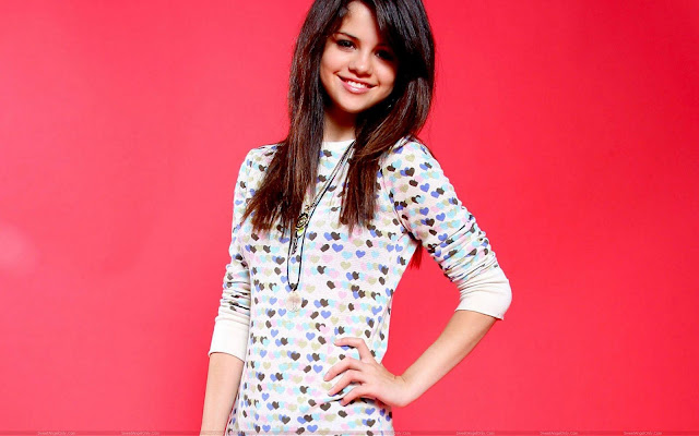 selena_gomez_wowing_pic_sweetangelonly.com