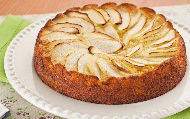 Receita de Bolo de maçã com amêndoas