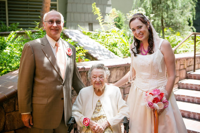 Wedding Pictures at Brisa Courtyard, Grand Californian Hotel