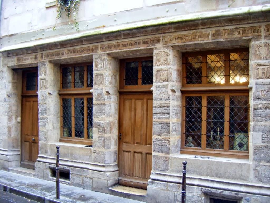 Paris statues s ance 1 for Auberge de la vieille maison