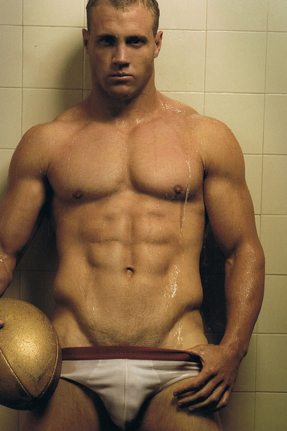 Naked Rugby League Players http://thealbamale.blogspot.com/2011_08_01_archive.html