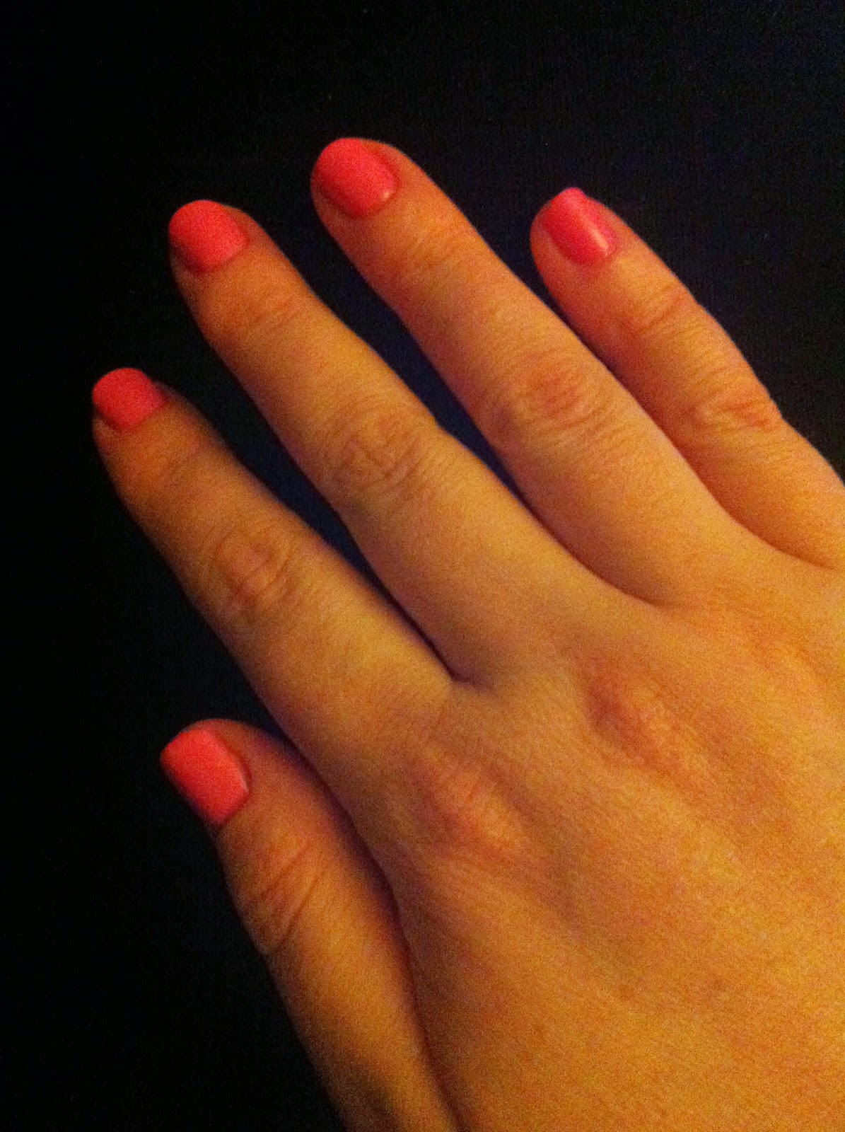Easy Goodness: A Perfect Gel Manicure at Home!