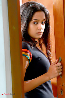 Ananya Latest Pictures from Yaar Ival Tamil Movie  0027.jpg