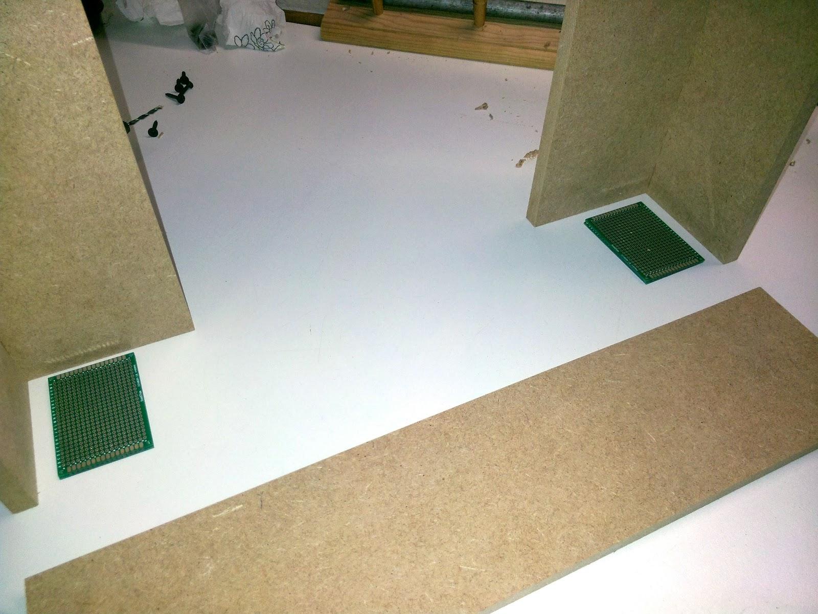 assemblage du cadre en bois construction d 39 une imprimante 3d reprap prusa i3. Black Bedroom Furniture Sets. Home Design Ideas