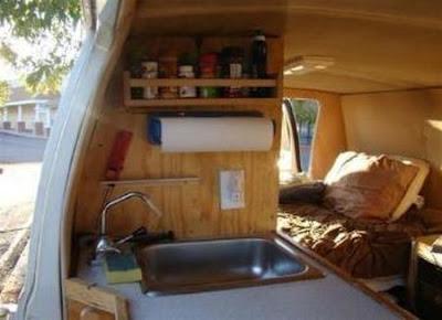 Rumah dalam van