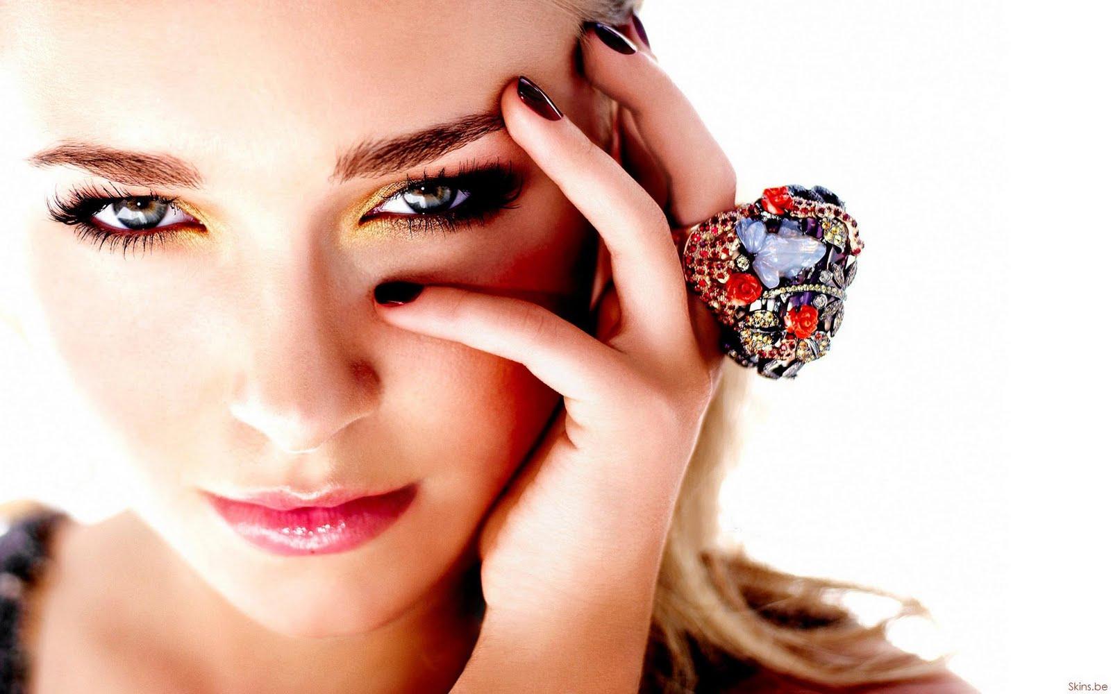http://3.bp.blogspot.com/-O7IeQf3qw5o/TtpLeG2-2GI/AAAAAAAAKJY/mkDqd-CPshg/s1600/Hayden_Panettiere_hd_Glamour_Girl_Wallpapers_08.jpg