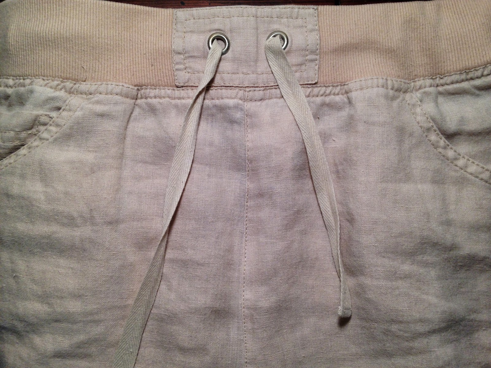 Ulterior Alterations: Linen Pant to Skirt Refashion Top-Stitch Detail