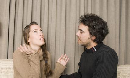 أشياء تدل على رفض وكره المرأة للرجل