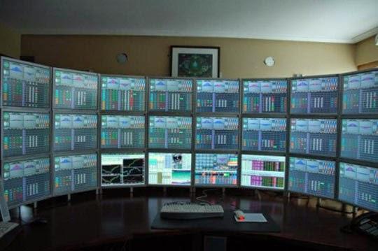 Cara Membuat Multiple-Monitor/3 Monitor Pada Satu Komputer