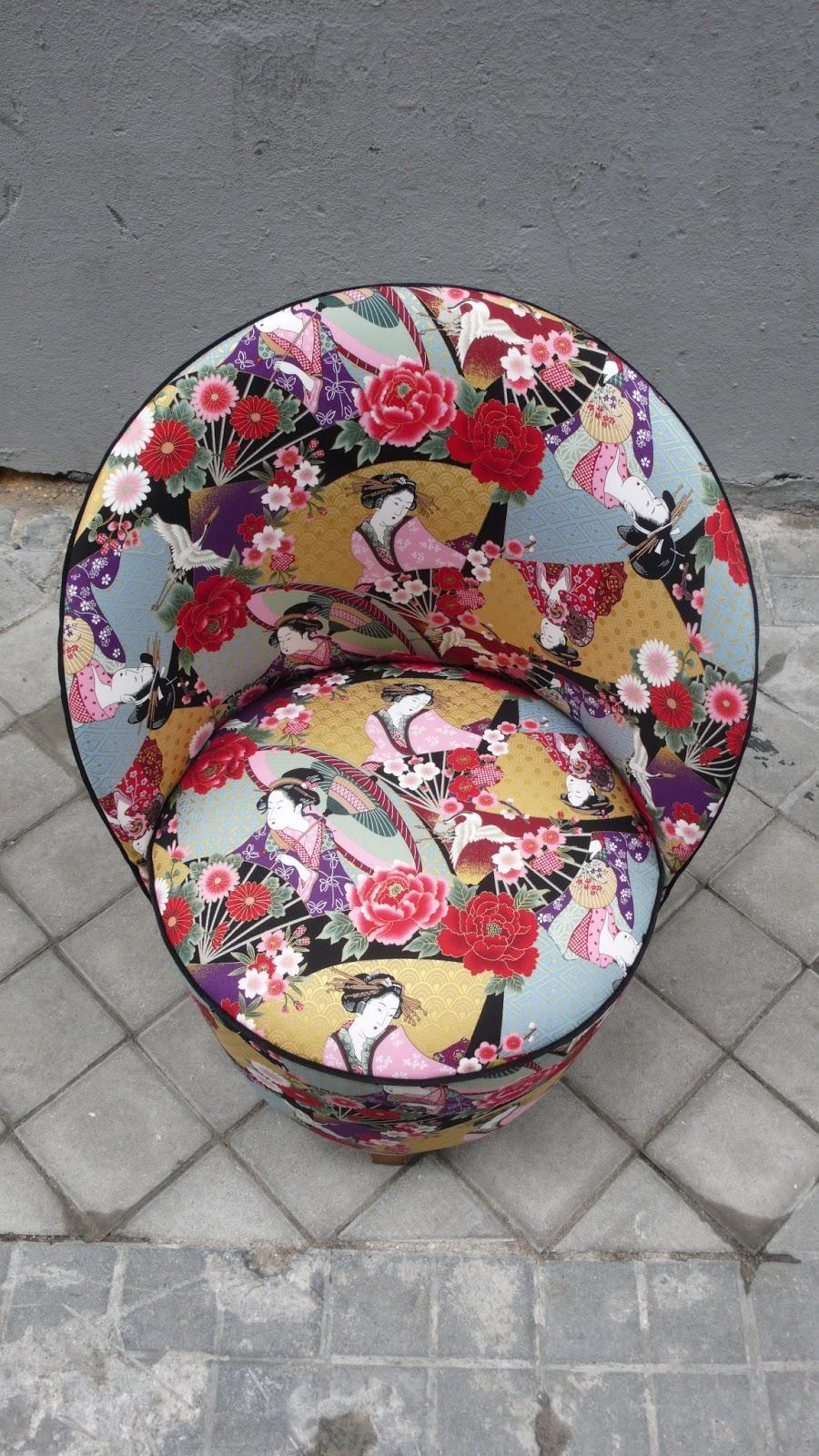 La tapicera descalzadora tapizada con con tela japonesa - Telas de tapizado ...