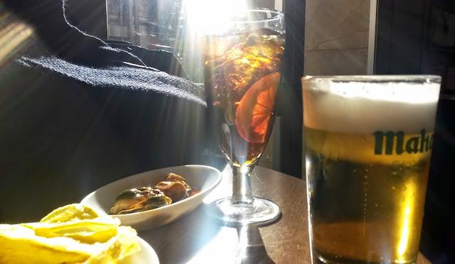 De cañas y vermuth en el Bar Cerveriz