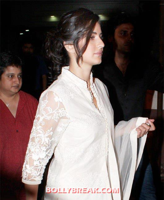 Katrina kaif looking her charming self in a white traditonal outfit -  Katrina Kaif  @PVR Cineplex in white outfit