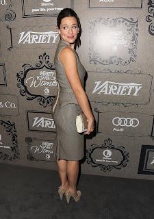 Jennifer Garner shoes off her dress for cameras