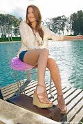 . campaña donde se pueden ver algunos modelos de la colección Anca .amp; Co . anca co primavera verano zapatos