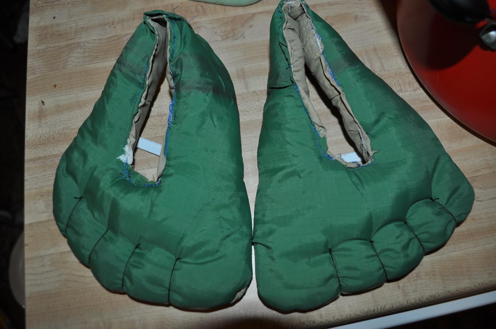 Incredible Hulk Toe Shoes