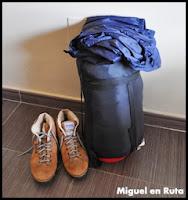 Qué-llevar-en-la-mochila-maleta