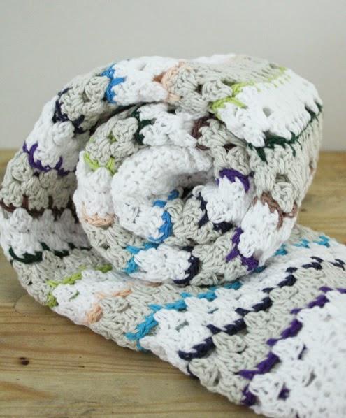 Spike stitch blanket, crochet pattern   Happy in Red