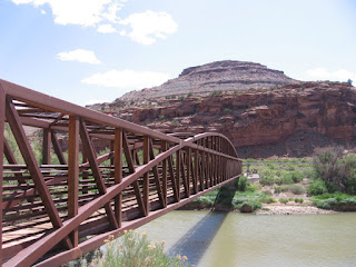 Pedestrian bridge over Gunnison River at Bridgeport