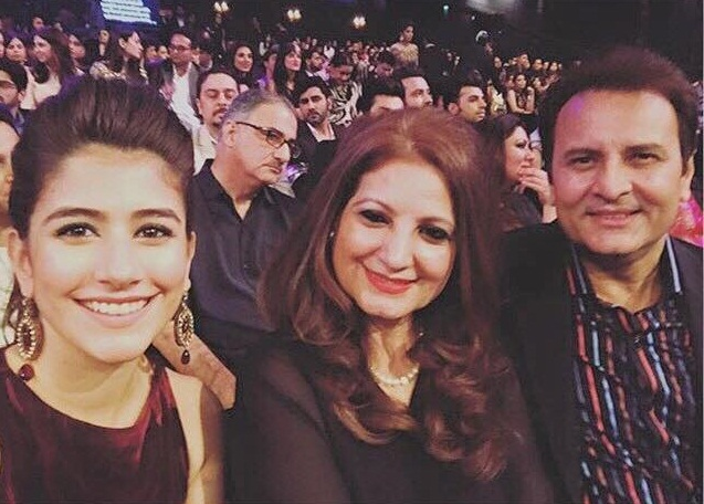 Syra Shehroz, Behroz sabzwari at Lux Style Awards 2015