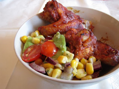 Skrzydełka z kurczaka z salsą z pomidorków koktajlowych